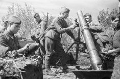 120-mm regimental mortar model 1938 in  position, Kursk.