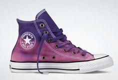 Converse printed color-degrade.