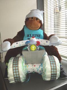 Four wheeler diaper cake DIY. Stappenplan luiertaart quad.