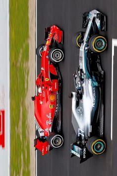 2018/2/27:Twitter: @sebvettelnews : Red vs Silver ⚪ #F1Testing #F1 #F12018 #FormulaOne #フェラーリ #SF71H #Ferrari #FerrariF1 #ScuderiaFerrari #SV5 #Kimi7 #Kimi7iceman