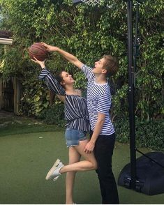 Alex Lange and Bailee Madison Basketball Relationship Goals, Cute Relationship Goals, Cute Relationships, Basketball Goals, Basketball Drills, Nike Basketball, Basketball Players, Boyfriend Goals Teenagers, Boyfriend Pictures