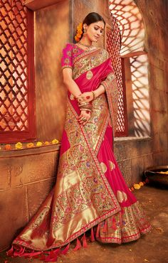 Sarees (साड़ी): Buy Indian designer saree online from Mirraw. We offer exclusive sari collections especially for all festive occasion including low cost shipping for USA, UK Bridal Silk Saree, Indian Bridal Lehenga, Indian Sarees, Indian Wedding Gowns, Saree Wedding, Indian Dresses, Wedding Saree Collection, Saree Trends, Trendy Sarees