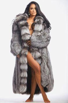 Fur Fashion, Womens Fashion, Fox Fur Coat, Fur Coats, Beautiful Black Women, Swagg, Mantel, Sexy Women, Glamour