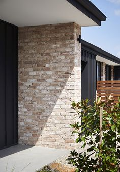 Project // Truganina Display Home Builder // Impact Homes Photographer // Tess Kelly Product // San Selmo Reclaimed in Reclaimed Original Brick Cladding, Exterior Cladding, Brickwork, Modern Exterior, Exterior Design, Porches, Recycled Brick, Brick Colors, Display Homes