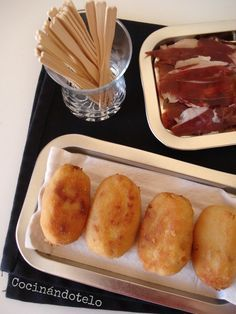 Croquetas al Chiquote, sooooo lecker! Kitchen Recipes, Cooking Recipes, Spanish Dishes, Spanish Cuisine, Tasty, Yummy Food, Food Decoration, Food Humor, Appetizer Recipes