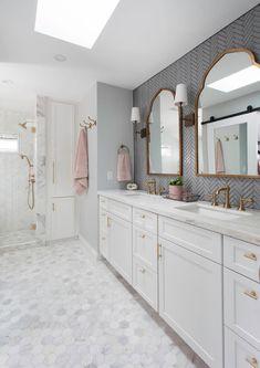Bad Inspiration, Bathroom Inspiration, Bathroom Renos, Small Bathroom, Bathroom Remodeling, Bathroom Ideas White, Girl Bathroom Ideas, Blush Bathroom, 50s Bathroom