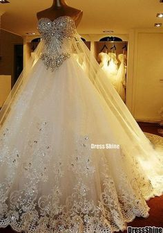 Luxury Crystal Wedding Dress 2017 Wedding Gowns Lace Appliques Cathedral Train Lace-Up Back Bridal Gowns Plus Size Church Style Generous Robe De Marriage Wedding Dress Organza, Wedding Dress Train, Sweetheart Wedding Dress, Long Wedding Dresses, Princess Wedding Dresses, Elegant Wedding Dress, Luxury Wedding Dress, Bridal Dresses, Bridesmaid Dresses