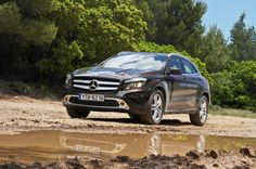 MERCEDES GLA 250 4MATIC (211 PS)