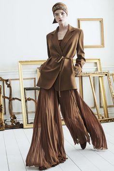Fashion Mode, Vogue Fashion, Fashion 2020, Runway Fashion, Fashion Outfits, Womens Fashion, Street Fashion, Curvy Fashion, Fall Fashion