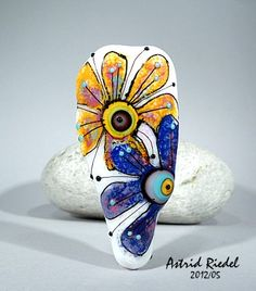 Astrid Riedel Glass Artist: Retro flowers!