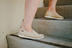 Run those quick errands in our Jude slip-on - Treated with NeverWet® technology for water and stain resistance 🐻🐾 Shop Jude: bearpaw.com/ #LiveLifeComfortably #BearpawStyle Espadrilles, Slip On, Flats, Technology, Running, Water, Shopping, Shoes, Style