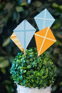 Kara's Party Ideas Pinwheels And Kites Party Planning Ideas Supplies Idea Cake Decor Happy 1st Birthdays, First Birthday Parties, Decor Eventos, Kite Party, Airplane Party, Kids Party Themes, Party Ideas, Party Props, Pinwheels
