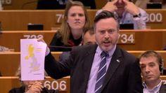 In het Europees parlement vindt er een spoeddebat plaats nadat een meerderheid van de Britten zich vorige week heeft uitgesproken voor een Brexit. De ...