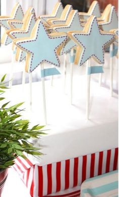 Bondville: Party Ideas: Sambellina Airplane and Stars 4th Birthday Party
