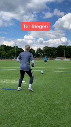 Soccer Dribbling Drills, Soccer Practice Drills, Soccer Training Drills, Goalkeeper Training, Soccer Goalie, Soccer Fans, Soccer Memes, Soccer Players, Football Soccer