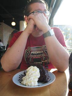 Valkoisen Puun suklaakakulla oli kokoa.