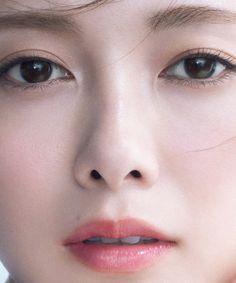 Korean Eye Makeup, Asian Makeup, Beautiful Asian Girls, Beautiful Women, Prity Girl, Korean Makeup Tutorials, Kawaii Faces, Asian Angels, Japanese Makeup