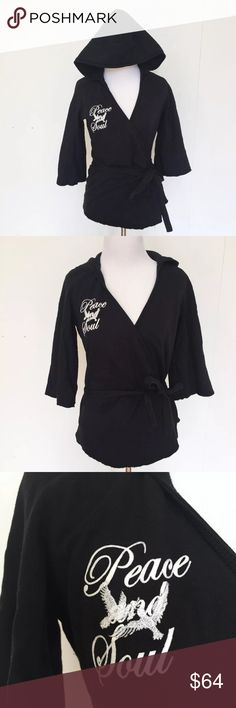 "Triple Five Soul Peace Kimono Hoodie XS, S, M, L Triple Five Soul Black Peace Kimono Wrap Hoodie Japanese Fleece Sweater Medium  RARE! Cozy and super soft! Kimono style fleece hoodie with 3/4 sleeves with frayed edges. Ties in the back with wrap. Has a ""peace and soul"" with birds applique on the front.  Size: Medium - More sizes in my eBay Store!  Bust (flat): 19"" - Stretches to 22"" Length (from shoulder): 23"" Sleeve (from armpit): 11""  80% Cotton. 20% Polyester  Please check out my eBay…"