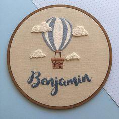Air Balloon for Benjamin & # s room Air Balloon for Benjamin & # s bedroom … – Bordados da Dudy – Couture - Stickerei Ideen Name Embroidery, Hand Embroidery Stitches, Modern Embroidery, Embroidery Hoop Art, Hand Embroidery Designs, Cross Stitch Embroidery, Simple Embroidery, Broderie Simple, Diy Broderie