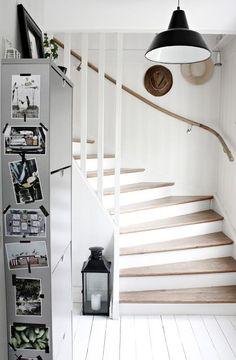 Escaliers bois et blanc
