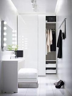 espaço pra guarda roupa e penteadeira