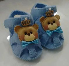 Best Ideas For Baby Dress Pattern Free Tutorials American Girls Fondant Baby Shoes, Felt Baby Shoes, Baby Boy Shoes, Baby Boots, Baby Dress Pattern Free, Baby Shoes Pattern, Free Pattern, Christmas Teddy Bear, Sewing Patterns For Kids