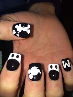 Black and White Mickey Nails