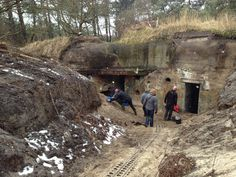 Uitgraven bunkers west Terschelling Military Diorama, Fortification, Bunker, Military History, Ww2, Castle, Places, Pictures, Design