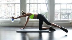 5 work out GIFs from Vogue featuring supermodel Karlie Kloss.