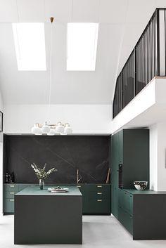 Kitchen Interior Architecture Industrial Design - Home decor interests Interior Modern, Salon Interior Design, Interior Architecture, Home Decor Kitchen, Kitchen Interior, Home Kitchens, Interior Office, Small Kitchens, Kitchen Tips