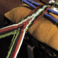 Like a giant friendship bracelet? Card Weaving, Tablet Weaving, Inkle Loom, Loom Weaving, Finger Weaving, Hugo Weaving, Tapestry Crochet, Craft Patterns, Diy Craft Projects