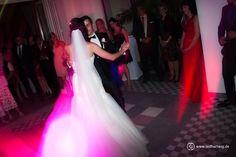 Der #Eröffnungstanz ist immer ein Höhepunkt des Abends auf einer #Hochzeit. Besonders für dei Gäste...
