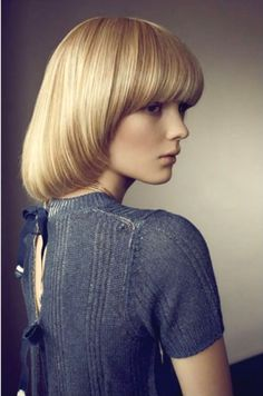 Clara Zapffe by Dennis Stensild for Eurowoman. Modern bowl cut, with strong fringe Retro Hairstyles, Hairstyles With Bangs, Pageboy Haircut, Short Haircut, One Length Haircuts, Medium Hair Styles, Short Hair Styles, Mushroom Hair, My Hairstyle