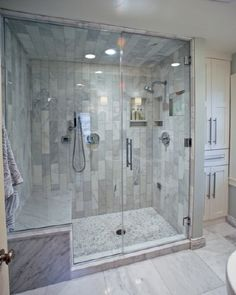 Beautiful bathroom decorating tips. Modern Farmhouse, Rustic Modern, Classic, light and airy master bathroom design some some ideas. Bathroom makeover a couple of suggestions and bathroom remodel recommendations. Master Bathroom Shower, Steam Showers Bathroom, Bathroom Layout, Bathroom Interior, Modern Bathroom, Bathroom Ideas, Master Bathrooms, Glass Showers, Shower Rooms