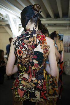 Maison Martin Margiela | Alta costura, inspiração tatuagem, vestido.