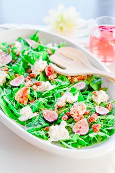 A sweet and savoury salad using burrata and fig finished with a balsamic reduction dressing | Spring Recipes | Salad Season | Healty Recipes