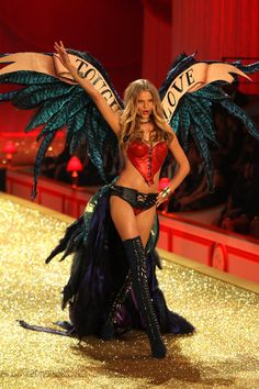 The 2010 Victoria's Secret Fashion Show in New York..... I've seen these in person as well! I worked at VS home office, it's a wonderland!