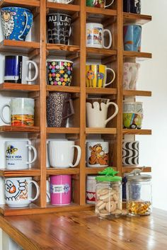 Organize e decore- Canecas em nichos