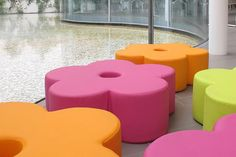 Flower seat is a height version of the iconic flower (art. to use as pouf seat, and store on stalk (art. Classroom Furniture, Nursery Furniture, Kids Furniture, Furniture Design, Soft Play Centre, Reggio Emilia Classroom, 3d Landscape, Learning Spaces, Classroom Design