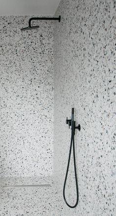 Terrazo Wall Bathroom Ideas - Home of Pondo - Home Design Bad Inspiration, Bathroom Inspiration, Modern Bathroom, Small Bathroom, Bathroom Ideas, Bathroom Bin, White Bathrooms, Gold Bathroom, Bathroom Cabinets