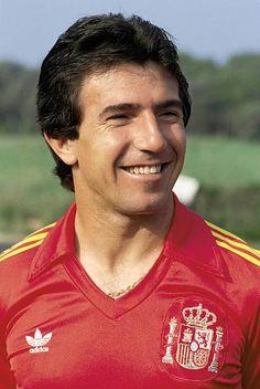 Juan Gomez ´Juanito´ football player Juanito with the Spanish football team vest Football Soccer, Football Shirts, Football Players, Juanito Real Madrid, Fifa, Football Pictures, Spanish, World Football, World