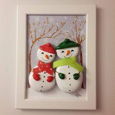 Kar geliyor kar... We love snow... #taşboyama #stonepainting #rockpainting #pebblepainting #pebbleart #piedraspintadas #sassidipinti #snowman #snow #winter