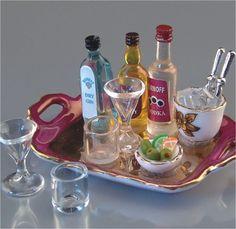 Liquor Tray w/Glasses & Ice