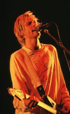 Kurt Cobain Style, Kurt Cobain Photos, Nirvana Kurt Cobain, Kirk Cobain, Kurt Cobain Art, Scott Weiland, Beautiful Boys, Pretty Boys, Donald Cobain