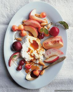 "See the ""Stone Fruits with Honey-Drizzled Soft Cheeses and Toasted Almonds"" in our Plum Recipes gallery Plum Recipes, Almond Recipes, Fruit Recipes, Nectarine Recipes, Summer Recipes, I Love Food, Good Food, Yummy Food, Delicious Recipes"