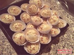 Deze heerlijke Marokkaanse maïzena koekjes ken je vast en zeker! Ze zijn heel makkelijk te maken en ze smelten heerlijk in je mond. Zeker de moeite waard!
