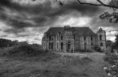 Abandoned Barnes Convalescent Home.