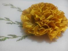 CLAVEL EXÓTICO - YouTube Ribbon Embroidery Tutorial, Silk Ribbon Embroidery, Fabric Ribbon, Hand Embroidery, Organza Flowers, Flowers In Hair, Fabric Flowers, Fleurs Kanzashi, Material Flowers