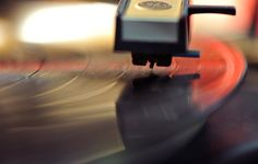 Some things never go out of style.While music lovers nationwide have enjoyed the advancements in listening technology there are still quite a few Americans who prefer the nostalgic feel and sound of vinyl records.