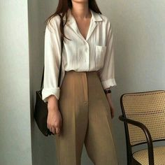 Learn About These Awesome korean fashion ideas 0430 Korean Outfits, Mode Outfits, Retro Outfits, Cute Casual Outfits, Vintage Outfits, Fashion Outfits, Fashion Pants, Workwear Fashion, Fashion Trends